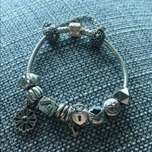 Pandora Bracelet with charms: silver and Gold